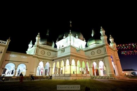 Zahir Mosque (Fuji X-Pro 1 + Zeiss Touit 2.8/12)